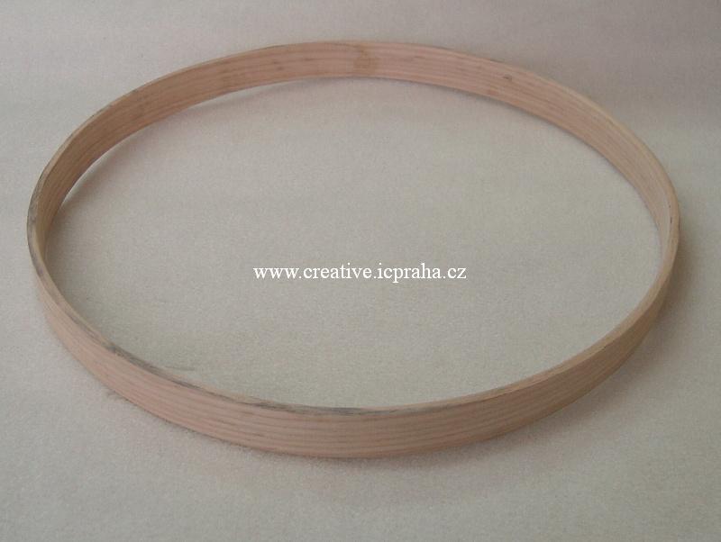 ucho dřevěné - prům.25cm HOS1034