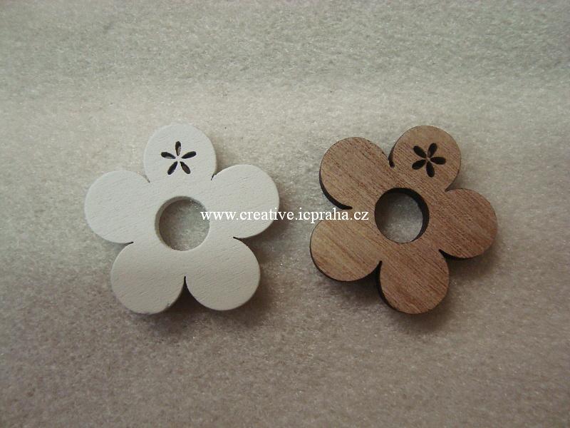 dřevo - kytka 3,5cm natur/bílá 2ks