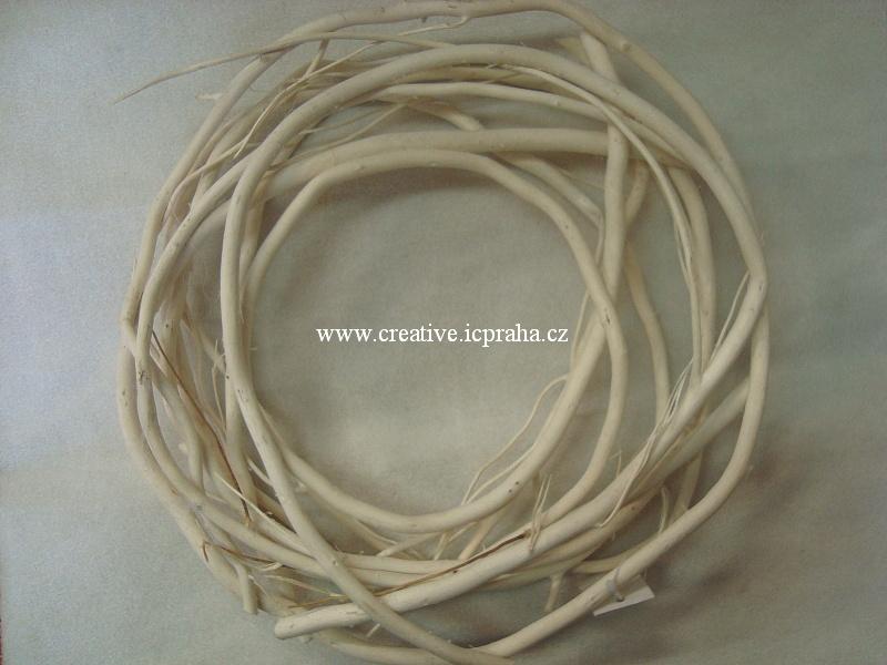 věnec z větví bílý - 30cm