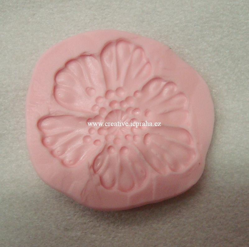 textura Christi Friesen - Poppy Mold  7x6 cm