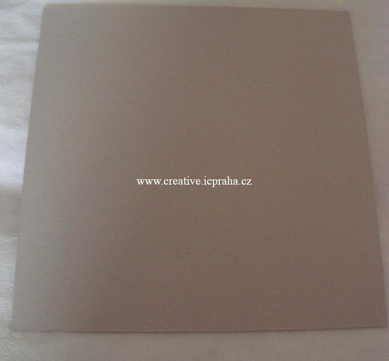 papír kraftový světlý šedý 31,5x31,5cm /2mm