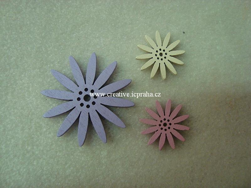 dřevo - květy mix bal.3ks
