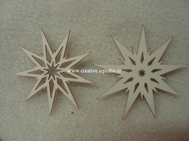 výřezy ván.hvězdy 6ks -  prům.4,7,a 5,3cm