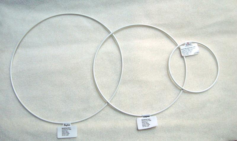 kovový kruh prům. 22cm bílý Ry2507100