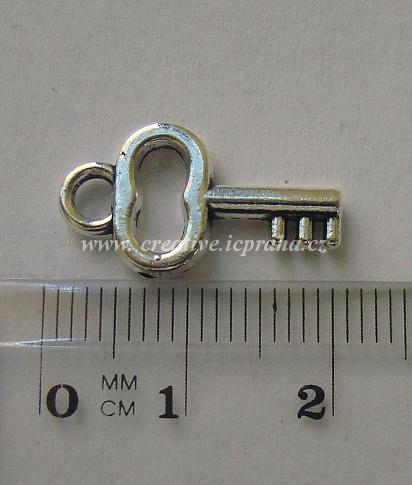 Přívěšek klíč 16x11