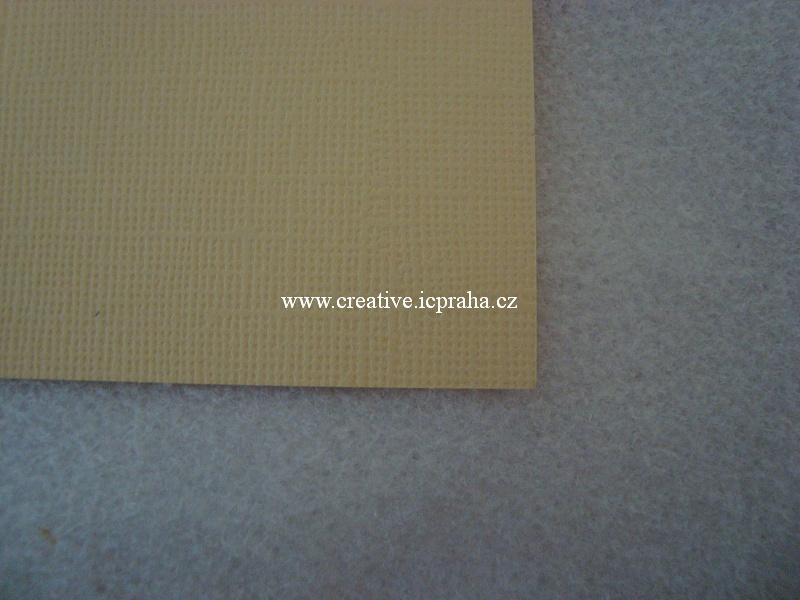 papír 30x30cm struktura 220g/m2 - Vanilka