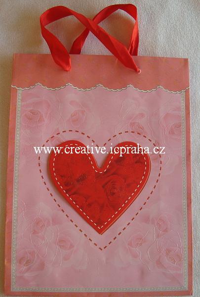 dárková taška Srdce 3D 29x22cm