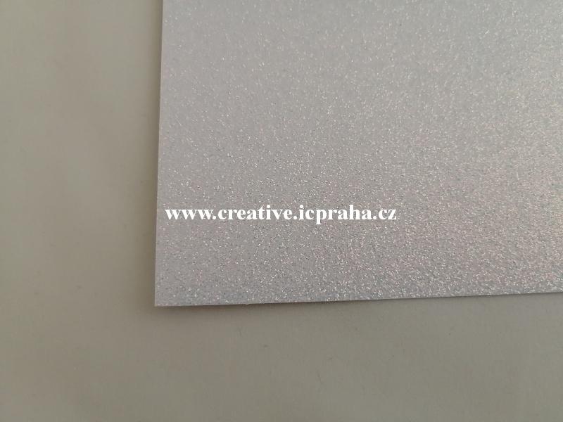 papír A4 250g/m2  glitr - bílá hologam