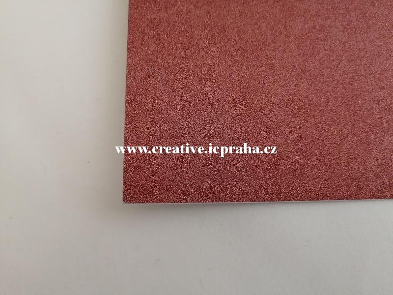 papír A4 250g/m2  glitr - tm.červ.