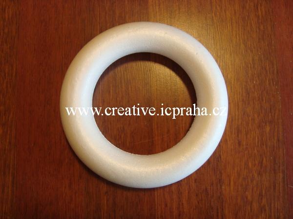 věnec polystyren - 22cm