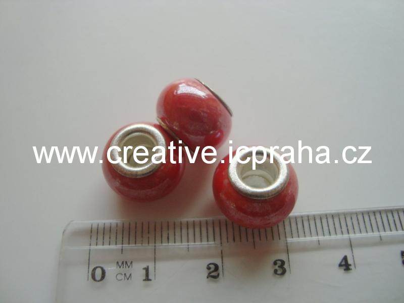 pandora červená