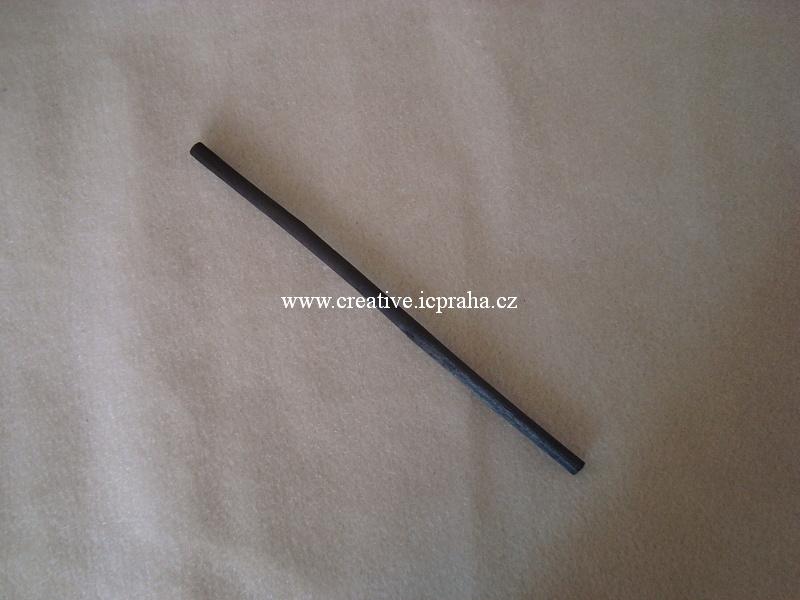 uhel Coates - černá