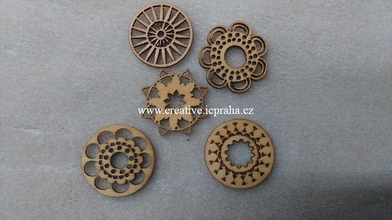 dřevěné dekorace Mix /rozety 3cm/5ks