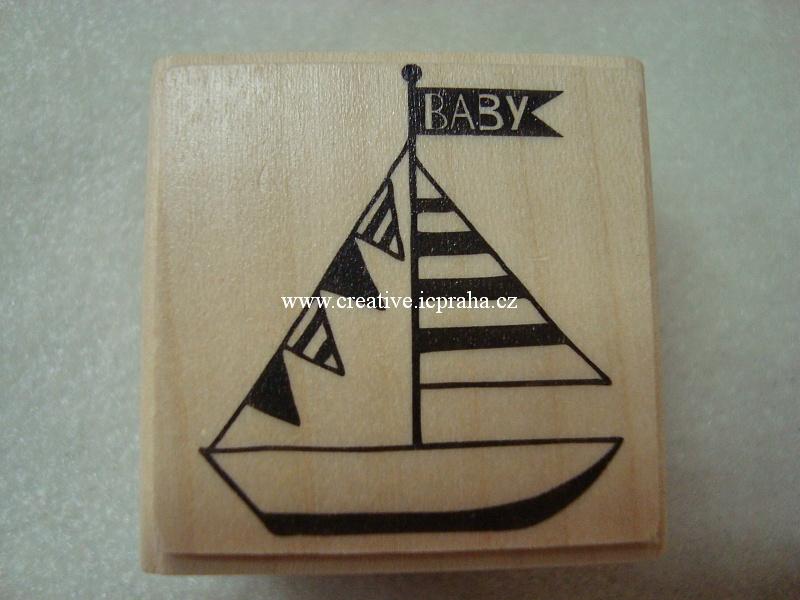 dřevěné raz. - plachetnice 3,5x3,5cm SLEVA