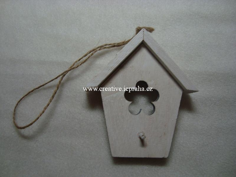 dřevěná budka  - bílá s kytičkou 12x9,5cm