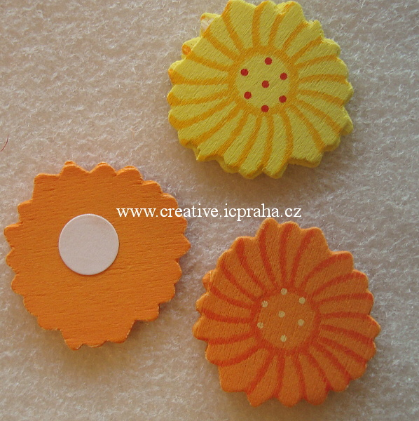 dřevěná kytka žlutá,oranžová 3cm bal.3ks