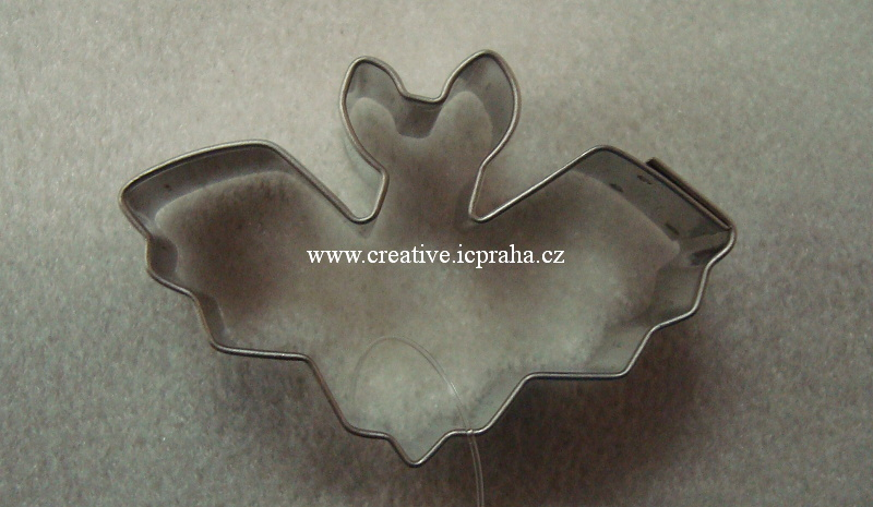 vykrajovátko CF netopýr 5,5x3,5cm