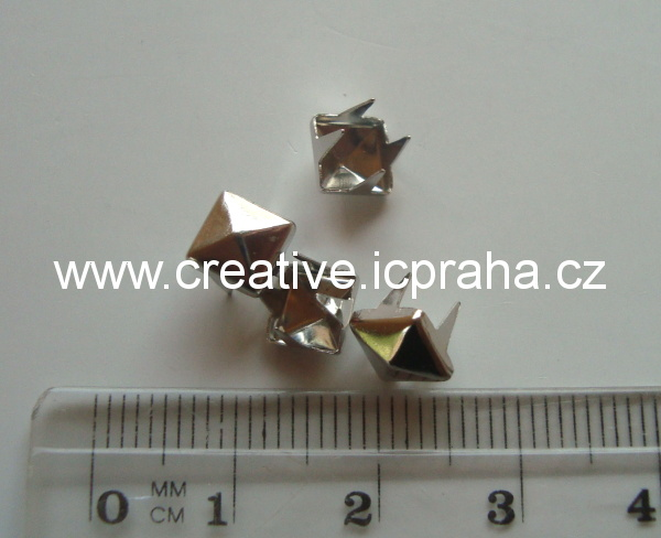 cvok čtverec 6x6mm platina