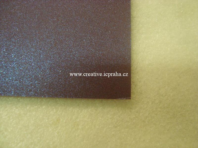 metalický karton A4 240g/m2 - červený